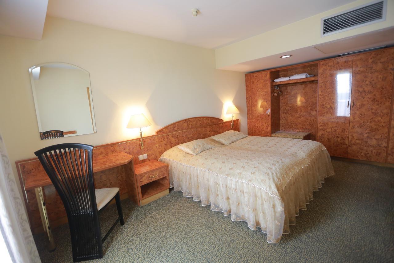 Shodlik Palace Hotel - SILK TOUR Uzbeksitan